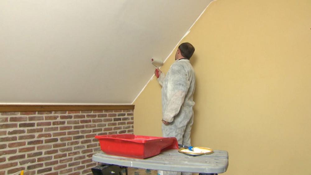 Vliesbehang verven plafond with hoe plak ik vliesbehang for Renovlies zelf aanbrengen